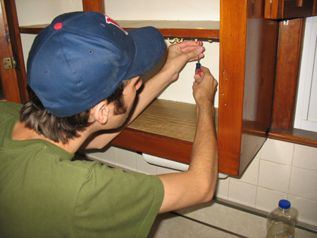 Removing cabinet hardware