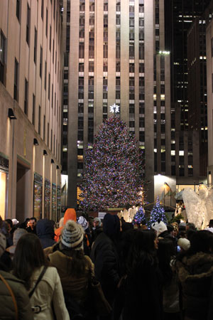 30 Rock Christmas Tree