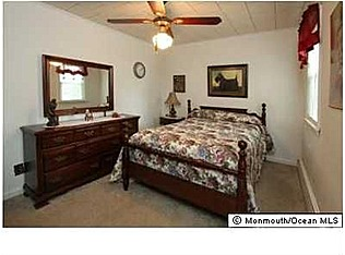Bedroom listing photo