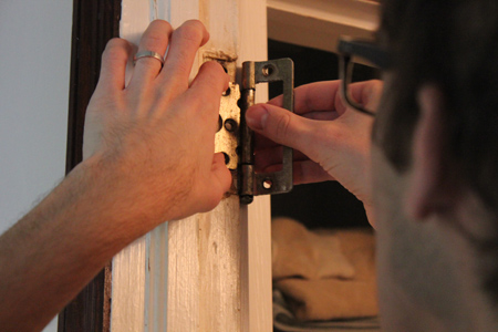 Removing Old Hinges